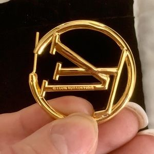 Louis Vuitton Jewelry - New LV GOLD TONE EARRINGS.